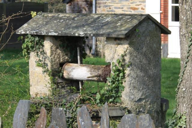 Les puits nozay 44 - Puit en pierre ...